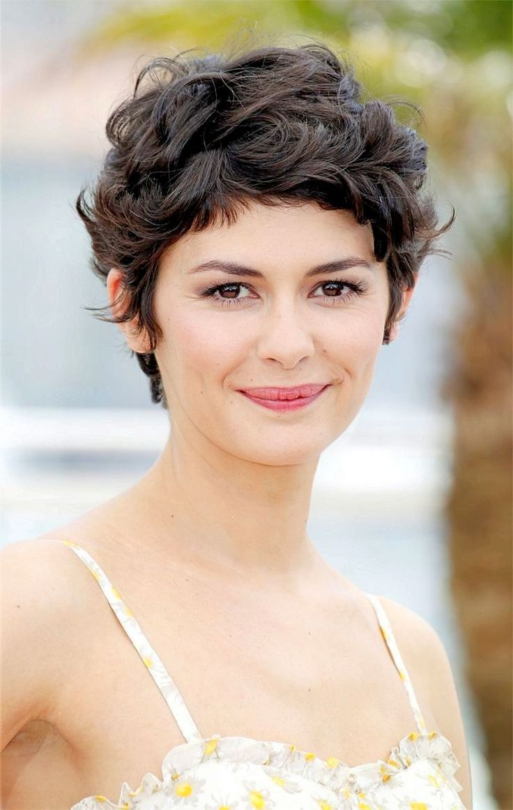 curly pixie cut bob