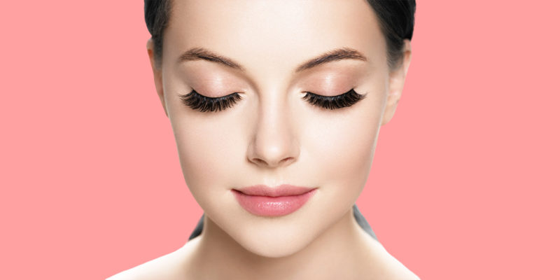 9 Of The Best Ways to Grow Longer Eyelashes Naturally