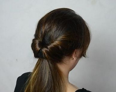 inverted ponytail